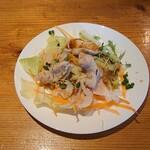 ぶたとら - 料理写真:ヒレカツのデミソースとチーズのオーブン焼き のサラダ