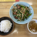 ラーメン とんかつ 忠 - 料理写真:レバニラ定食 950円税込