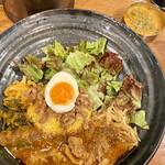 155420696 - ろかプレート(魯肉飯、ラムカレー)、ぷちカレー(クリーミィ野菜コルマカレー)