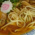 麺屋 隊長 - 魚介中華そば麺アップ