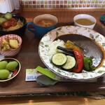 OHANA - 料理写真:日替わりのランチ950円