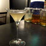 BAR&DINING KAZEMACHI - パイナップル漬けテキーラのマルガリータ。甘酸っぱくて南国気分たっぷり♪
