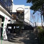 生簀屋 海 - 階段を上って2階