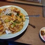 麗華 - 料理写真:角煮丼大盛り