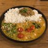 シシカリ - 料理写真:個性的な食材が一皿の中でぴったぴたにハマる