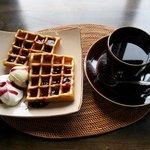 茶ノ木カフェ - ワッフル+ドリンクセット(1100円)