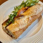 155451975 - サーモンが入ったノルヴェージアンはディルが効いたチーズが入っています これも王道だよね