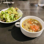 ビストロオーズ - スープ&サラダ付き