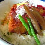 15547777 - 漁師丼!?(名前忘れ)キンメの煮付け丼です