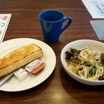 ジョナサン - グリーンサラダ&トーストモーニング:439円