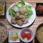 ムモクテキカフェアンドフーズ - おからあげ定食1200円