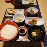 藤三旅館 湯治部 - 料理写真:あっ!写真忘れてたー。ちょっと食べてます。