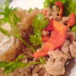 ビジ - 鶏ひき肉のタイバジル炒め&玄米②