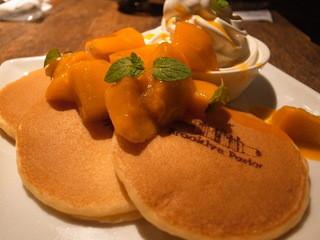 ブルックリンパーラー - パンケーキ マンゴー (840円)