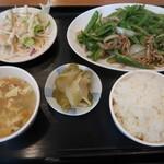 蘭蘭酒家 - 料理写真:ランチ:ピーマンの細切りと豚肉の炒め物700円 2021.