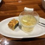 横浜中華街 重慶飯店 - ランチのデザート