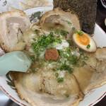 岡山らぁめん 麺屋照清 - 塩チャーシュー麺