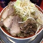 ラーメン タロー - 小ラーメン豚入りヤサイマシ(850円)