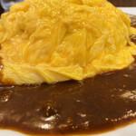 レストラン・if - 『とろとろオムカレー』                                 別角度                                                                  ココは、ミシュランガイド北海道2017に、ビブグルマンとして掲載されています。