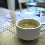 155532471 - ◆スープ・・コンソメ味で刻んだ根菜が入っています。
