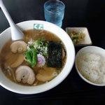 15554636 - チャーシュー麺 ライス
