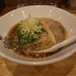 らーめん 伊藝 - 料理写真:高級煮干しラーメン(850円、斜め上から)