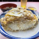 中華料理 味楽 - カツ断層