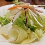 ステーキハウスボン - サラダ。