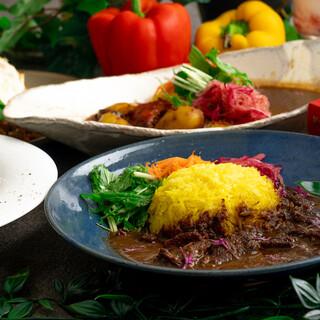 ◆素材の味を活かした食事や多国籍なメニューも豊富!