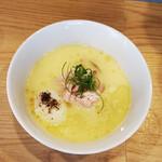 らーめんMAIKAGURA - 白トリュフオイル香る鶏白湯麺