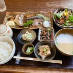 和彩彩舗 - 料理写真:お魚ごはん
