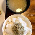 Ta蔵 - ご飯に味噌汁
