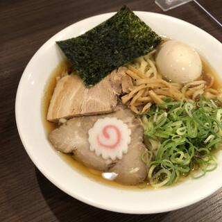 麺や 河野 - 醤油味玉ら〜めん(大盛)920円