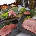 焼肉 炙屋武蔵 - A5ランクの黒毛和牛と豊富な酒類