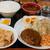 飲食笑商何屋ねこ膳 - 料理写真:デミグラスハンバーグ定食730円と豚の生姜焼き2枚300円