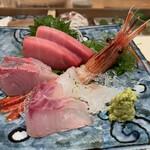 寿司栄 華やぎ - 料理写真:お造り どのネタも鮮度が半端ありませぬ