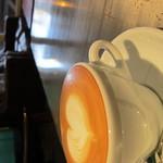 Cafe AZZURRO - カフェラテ 420円