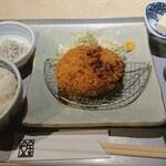 魚金醸造 - ジューシー メンチカツ定食