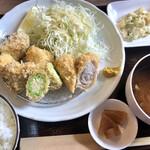 豚肉料理店 シロッコ - 古代豚と季節の野菜カツ 1320円