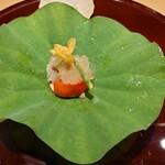155649059 - 伊達鶏のモモ肉、フルーツトマト、芋茎のトマトゼリー掛け