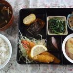 虹色キッチン - 2012年10月28日 日替わり定食 730円