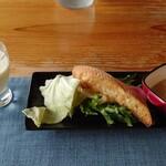 ZUPPA - 料理写真:前菜 クリームスープとバーニャカウダソースサラダ