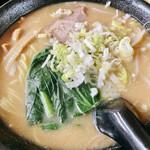 龍王 - 味噌ラーメン+半炒飯セット(750円)