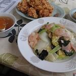 京華苑 - 料理写真:エビ中華丼と唐揚げ、餃子