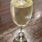 155687773 - なみなみ白ワイン
