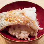 15569368 - 撮影不可だが貸切のため特別に許可いただいた。掲載も承諾スミ。ノドグロ蒸し寿司