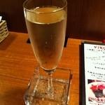 15569545 - 樽生のスパークリングワイン580円