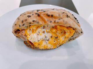 パンドール - かぼちゃとクリームチーズのピタサンド