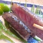 割烹 ゆう介 - 2012.10 近江牛、程良いミディアムな焼き具合