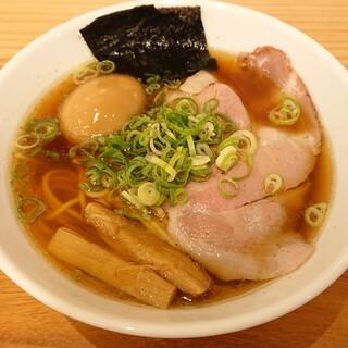 キッチン さるのこしかけ - 料理写真:淡麗中華そば味玉入り(1,030円)
